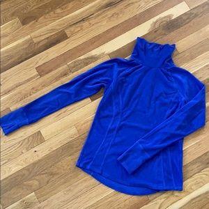 Fleece activewear pullovers.